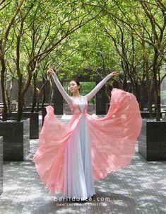 Dress Praise Dance Wear, Praise Dance Dresses, Worship Dance, Praise And Worship, Modern Dance Costume, Dance Costumes, Dance Uniforms, Dance Poses, Dance Pictures