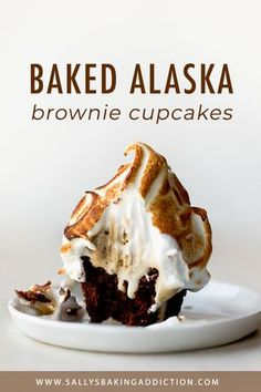 Brownie baked Alaska cupcakes with coffee ice cream, a brownie base, and a creamy toasty marshmallow meringue topping! Easy recipe on sallysbakingaddic. Brownie Recipes, Cupcake Recipes, Cupcake Cakes, Dessert Recipes, Brownie Cupcakes, Muffin Cupcake, Cup Cakes, Frozen Desserts, Easy Desserts