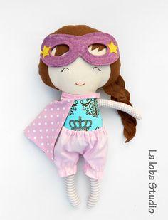 Superhero doll from La Loba Studio #dolls #classic_toy #fabric_doll #diy #superhero