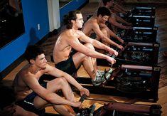 La máquina de remo, o remo indoor, es un aparato perfecto para quemar calorías y perder peso, al tiempo que mejoras tu resistencia y ejercitas los músculos.
