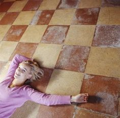 How to Paint Patterns on Concrete Floors