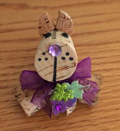 Kathy's AngelNik Designs & Art Project Ideas: Corky - The Wine Cork Doggy DIY Kathy's AngelNik Designs & Kunstprojektideen: Corky - The Wine Cork Wine Craft, Wine Cork Crafts, Wine Bottle Crafts, Wine Bottles, Holiday Crafts, Fun Crafts, Wine Cork Art, Wine Corks, Wine Cork Ornaments