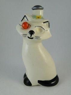 Cardinal USA Cat clothes sprinkler bottle $225 Vintage Laundry, Vintage Kitchen, Clothespin Bag, Sprinklers, Cat Design, Vintage Looks, Laundry Room, Cats And Kittens, Vintage Antiques