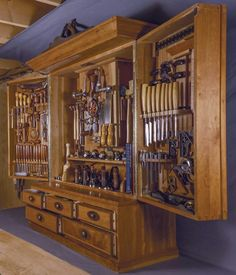 Inspired by Chris Becksvoort's cabinet and the H. Studley cabinet, Campbell set out to display his tools well and make them easily accessible. The cabinet sits on Campbell's benchtop and […] Woodworking Tool Cabinet, Woodworking Bench, Fine Woodworking, Woodworking Projects, Woodworking Shop Layout, Woodworking Magazine, Welding Projects, Tool Storage Cabinets, Lumber Storage