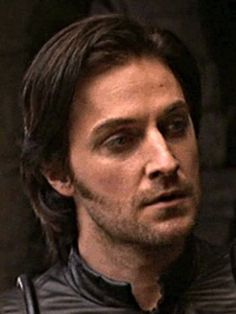 Oooh those attractive pointy sideburns lining Guy's jaw! Sideburns, Richard Armitage, Robin, Guys, Hair, Men, European Robin, Sons, Robins
