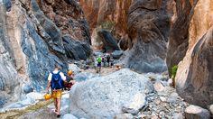 Canyoning in der Schlangenschlucht (Sultanat Oman).
