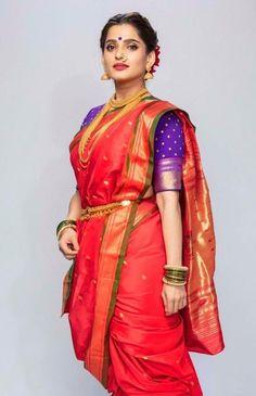 Maharashtrian Saree, Marathi Saree, Marathi Bride, Marathi Nath, Kashta Saree, Saree Poses, Sarees, Bandhani Dress, Lehnga Dress