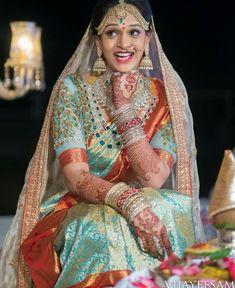 Jewellery Box Malaysia during Jewellery Shops Kingston, Jewellery Stores Hornsby long Jewellery Earrings Organizer Indian Bridal Sarees, Bridal Silk Saree, Indian Bridal Wear, Indian Wedding Outfits, Saree Wedding, Silk Sarees, Wedding Bride, Bridal Outfits, Indian Weddings