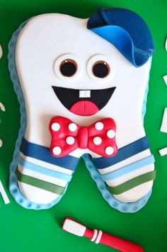 Tooth Cake, First Tooth, Cakes For Boys, Baby Shower Cakes, Baby Food Recipes, Crochet Baby, Fondant, Teeth, Salsa