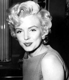 Marilyn Monroe Collection - Marilyn Monroe photographer by John Florea, Marylin Monroe, Marilyn Monroe Photos, Classic Actresses, Hollywood Actresses, Actors & Actresses, Joe Dimaggio, Viejo Hollywood, Old Hollywood, Marilyn Monroe Cuadros