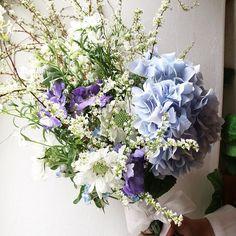 """949 Likes, 1 Comments - Florist.jane (@jane.florist) on Instagram: """"❤️❤️ . . . . . 클래스 문의 -janejoung310 카카오톡  #bloomingswan #bloomingswanflower #꽃꽂이 #부케 #원데이클래스…"""""""