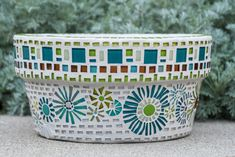 Really fun mosaic pot to create! Customer picked out the colors and wanted a whi… – Mosaic Mosaic Planters, Mosaic Garden Art, Mosaic Art, Mosaic Tiles, Mosaic Stepping Stones, Pebble Mosaic, Stone Mosaic, Mosaic Glass, Clay Flower Pots