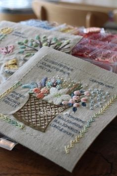 Embroidery Sampler, Felt Embroidery, Embroidery Stitches, Embroidery Designs, Knitting Projects, Sewing Projects, Stitch Book, Thread Work, Handmade Books