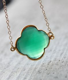 Lucky Clover Jewelry | Gold Emerald Green Onyx Lucky Clover Necklace - ... | Style me pretty
