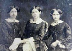 daguerreotype: 3 sisters Vintage Photos Women, Vintage Pictures, Old Pictures, Old Photos, Vintage Ladies, Edwardian Era, Victorian Era, Three Sisters, Daguerreotype