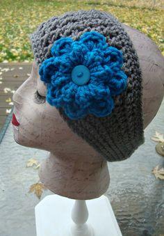 Crochet earwarmer with flower