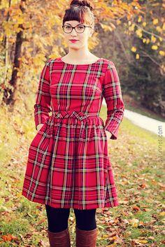 Minerva Blogger Network : My Christmas Emery dress https://twitter.com/helpmewearit