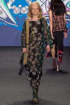 Anna Sui LADIES OF THE CANYON Spring 2015 Trend Report