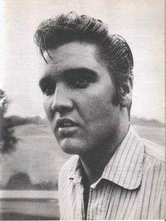Close-up of Elvis in august or september 1956