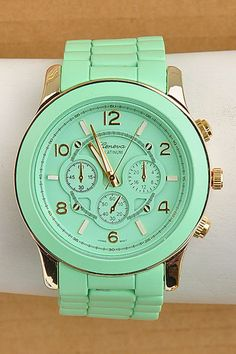 My mint green watch the perfect color!