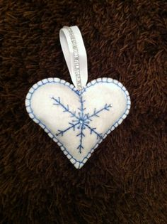 CHRISTMAS SNOWFLAKE CRAFT