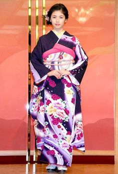 #Japan #kimono love the colour