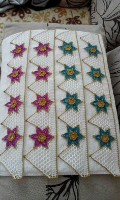 This Pin was discovered by HUZ Knitting Patterns, Crochet Patterns, Crochet Borders, Chevron Crochet, Crochet Home, Lace Trim, Diy And Crafts, Quilts, Stitch