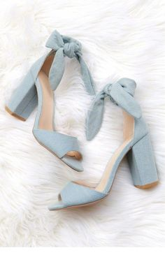 A light denim chunky heel with a peep toe, and tie at the ankle. Oxford Shoes Heels, Women Oxford Shoes, Bow Heels, Pumps Heels, Shoe Boots, Denim Heels, Ankle Shoes, Ankle Strap Heels, Shoes Women