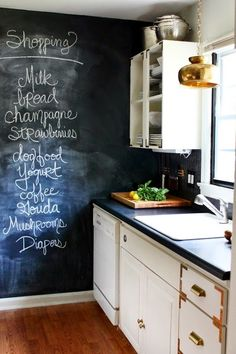 I love this chic and quirky kitchen with the blackboard, chalkboard writing