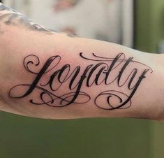 125 Best Inner Bicep Tattoos For Men Word Bicep Tattoos – Best Inner Bicep Tattoos for Men: Cool Inner Arm Bicep Tattoo Designs and Ideas for Guys Hand Tattoos, Last Name Tattoos, Word Tattoos On Arm, Meaningful Word Tattoos, Bicep Tattoo Men, Wörter Tattoos, Inner Bicep Tattoo, Tattoos Arm Mann, Names Tattoos For Men