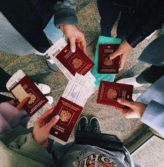 43 Trendy travel friends airport trips - New Ideas Travel Pictures, Travel Photos, Voyager C'est Vivre, Passport Online, Shotting Photo, I Want To Travel, Best Friend Goals, Travel Aesthetic, Travel Goals