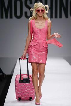 Le sac du week end la valise Barbie de Moschino