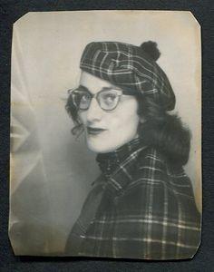 Photobooth - Cat eye glasses and vintage plaid, Vintage Pictures, Old Pictures, Vintage Images, Old Photos, Vintage Magazine, Vintage Photo Booths, Photos Booth, Studio Portraits, Vintage Photographs