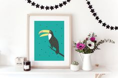 Graphic poster TOUCAN - graphic design poster -tropical inspiration - toucan ..................................................................................................  A3 Print on 224g/m2 mat paper with a professional Brother printer.  No frame is included. The colors can be different from the screen.  All print are signed at the back.  The poster is sent in a flat pack envelop with tracking number. ...................................................................................