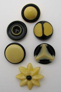 Vintage CELLULOID buttons lot, 6 large black cream, bubble laminate tight tops
