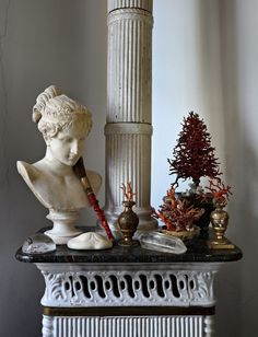 Mansion in Toulouse Toulouse, Sculpture Art, Sculptures, Vibeke Design, Small Space Interior Design, Ivy House, Brown Art, Roger Vivier, Still Life Photography
