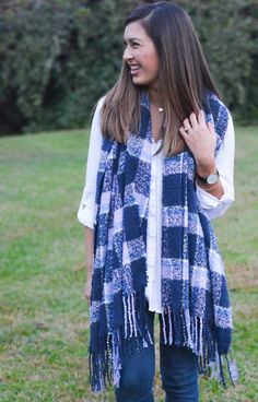 aerie bonfire blanket scarf. | A Glimpse of Glam.