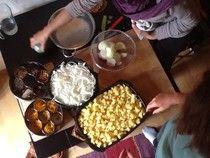 Le e Lu on the eat- samosas making