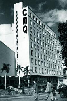 Para Goar Mestre, dueño del circuito radial CMQ, fue un golpe duro. Había construido Radiocentro, en 23 y L, en el Vedado –esquina que sería el corazón de La Habana–, para albergar los más sofisticados estudios de radio y televisión del continente. Desde el monumental edificio –el primero con aire acondicionado central en la isla– había anunciado que, en un plazo de tres años, CMQ comenzaría a operar la televisión en Cuba.