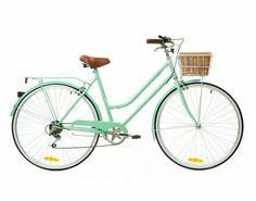 Riding in style on me mint-vintage bike ⭐