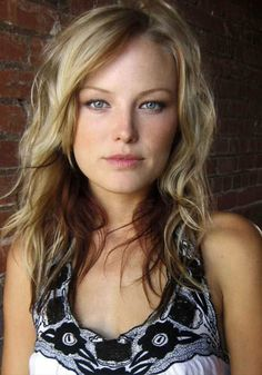 malin akerman - first layer/long bangs hit the widest point of the face/cheeks this length which is about inches past the collar bone Light Blonde Hair, Light Brown Hair, Wavy Hair, Hair Color And Cut, Brown Hair Colors, Hair Colour, Britt Robertson, Long Bangs, Beautiful Actresses