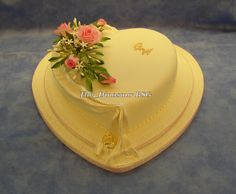 Heart cake with drape/flowers