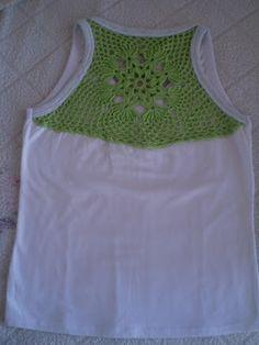 Camiseta customizada - crochê - Nana&Nanda