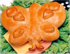 Betty Butterfly Sandwich Rolls 16 Adorable Animal-Shaped Bread Recipes For Kids Bread Recipes For Kids, Frozen Bread Dough, Bread Art, Bread Shaping, Shapes For Kids, Braided Bread, Puff Recipe, British Baking, Creative Desserts