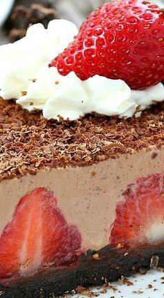 No-Bake Strawberry Chocolate Pie