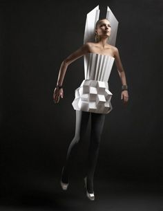 Origami Biker Babes: Black & White Folding Fashions at Rick Owens Spring 2010 Show Paper Fashion, Fashion Art, Retro Fashion, Fashion Design, Origami Fashion, Process Art, Rick Owens, Paper Clothes, Paper Dresses