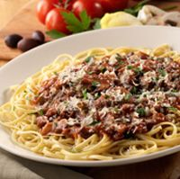 Linguine with Kalamata Olives and Prosciutto and lots of other yummy recipes from Olive Garden. Italian Pasta Recipes, Italian Dishes, Entree Recipes, Dinner Recipes, Prosciutto Recipes, Olive Garden Recipes, Lotsa Pasta, Pork Tenderloin Recipes, Kalamata Olives