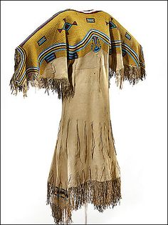 Native American beaded buckskin dress like Rose Creek wore in the novel Last… American Indian Costume, Indian Costumes, Native American Clothing, Native American Beauty, Native American Artifacts, Native American Beadwork, American Indian Art, Native American History, Native American Indians