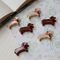 dachshund paper clips gotta have these! Dachshund Love, Dachshund Humor, Dachshund Gifts, Weenie Dogs, Doggies, Vintage Inspired Outfits, Mans Best Friend, Dog Life, Puppy Love