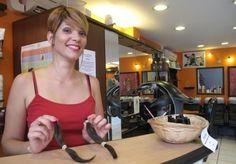 Saint-Maur-des-Fossés. Le salon de coiffure d'Audrey Laurent fait partie du réseauSolidhair, de même qu'une coiffeuse à domicile de Fontenay. Le but : envoyer régulièrement les mèches de cheveux de clientes et clients volontaires.